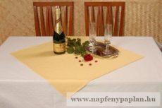 Fehér damaszt asztalteritő